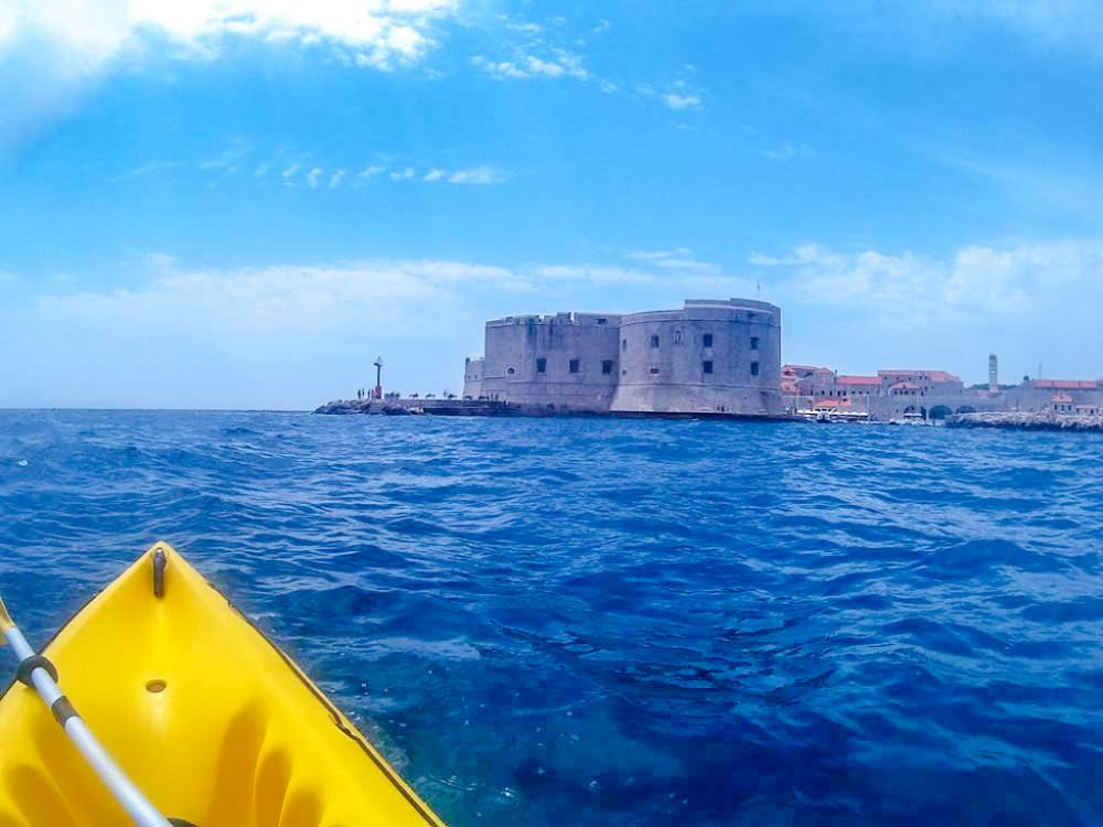 kayak from dubrovnik to lokrum view of dubrovnik