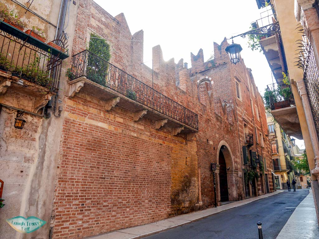 romeo's house verona italy | Laugh Travel Eat