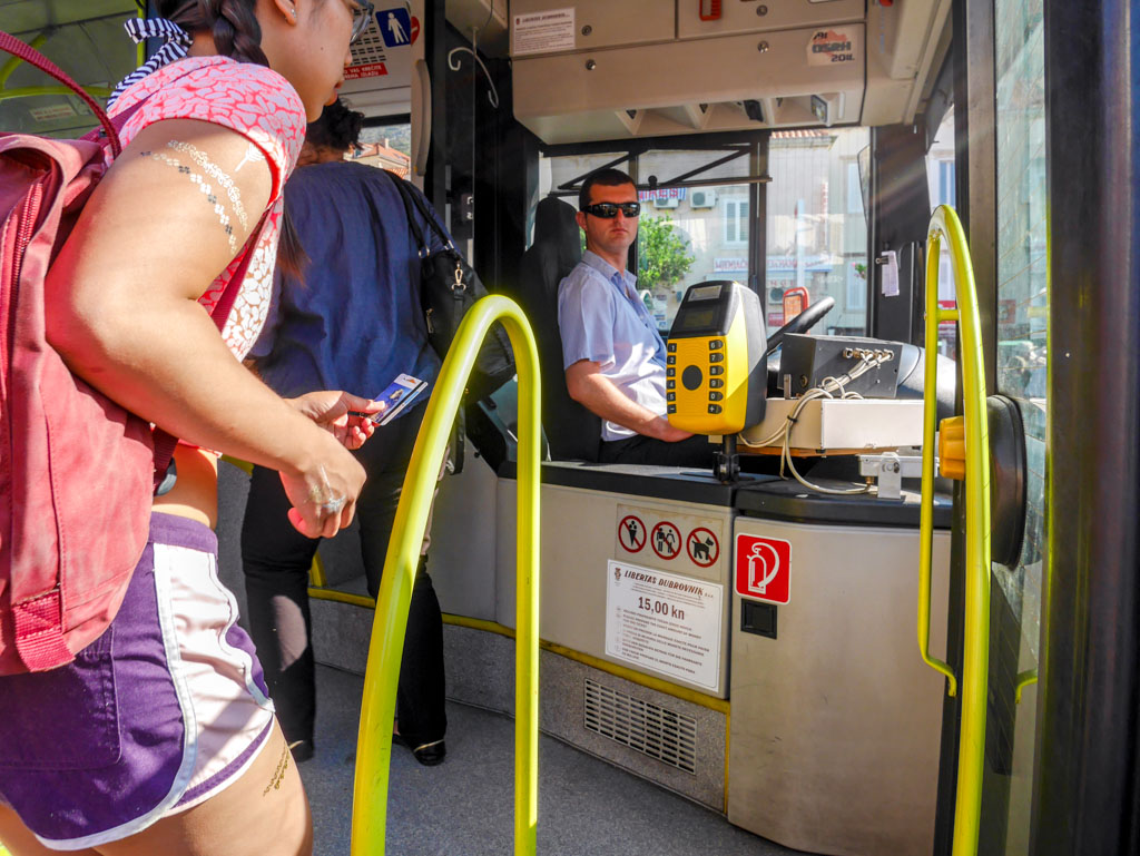 taking the bus from dubrovnik to port croatia