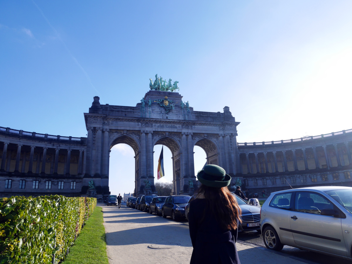 Admiring the triumphal arch at Avenue de Tervuren in Brussels, Belgium| Laugh Travel Eat