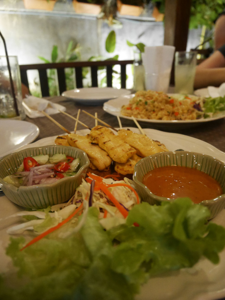Pineapple fried rice and chicken satay at Chiang Mai | Laugh Travel Eat