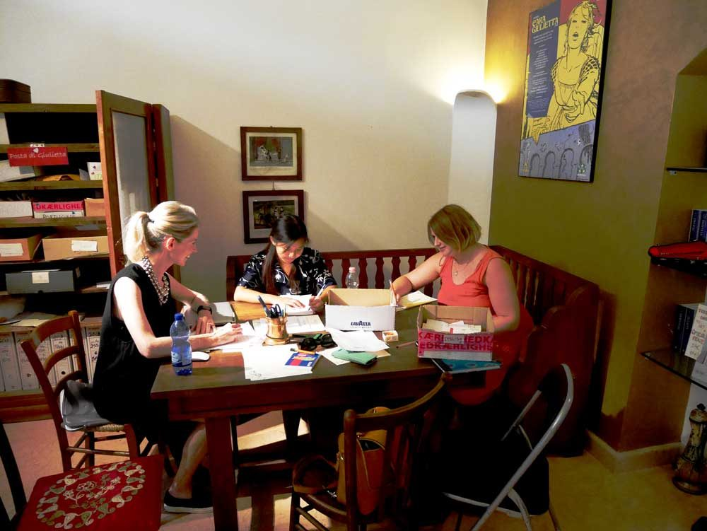 Secretaries of Juliet replying to letters, Club di Giulietta, Verona, Italy | Laugh Travel Eat