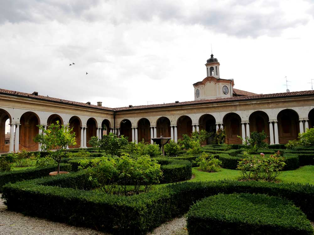 The inner courtyard the Hall of Rivers faces, Ducal Palace, Mantua, Italy | Laugh Travel Eat
