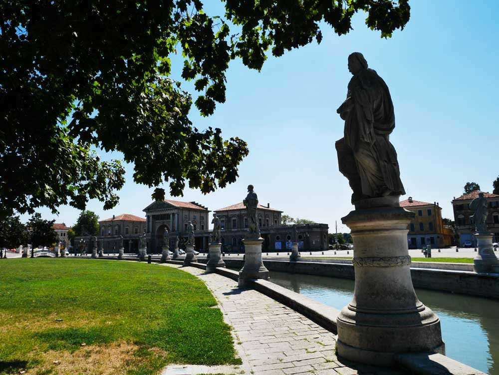 Prato della Valle, Padua, Veneto, Italy | Laugh Travel Eat