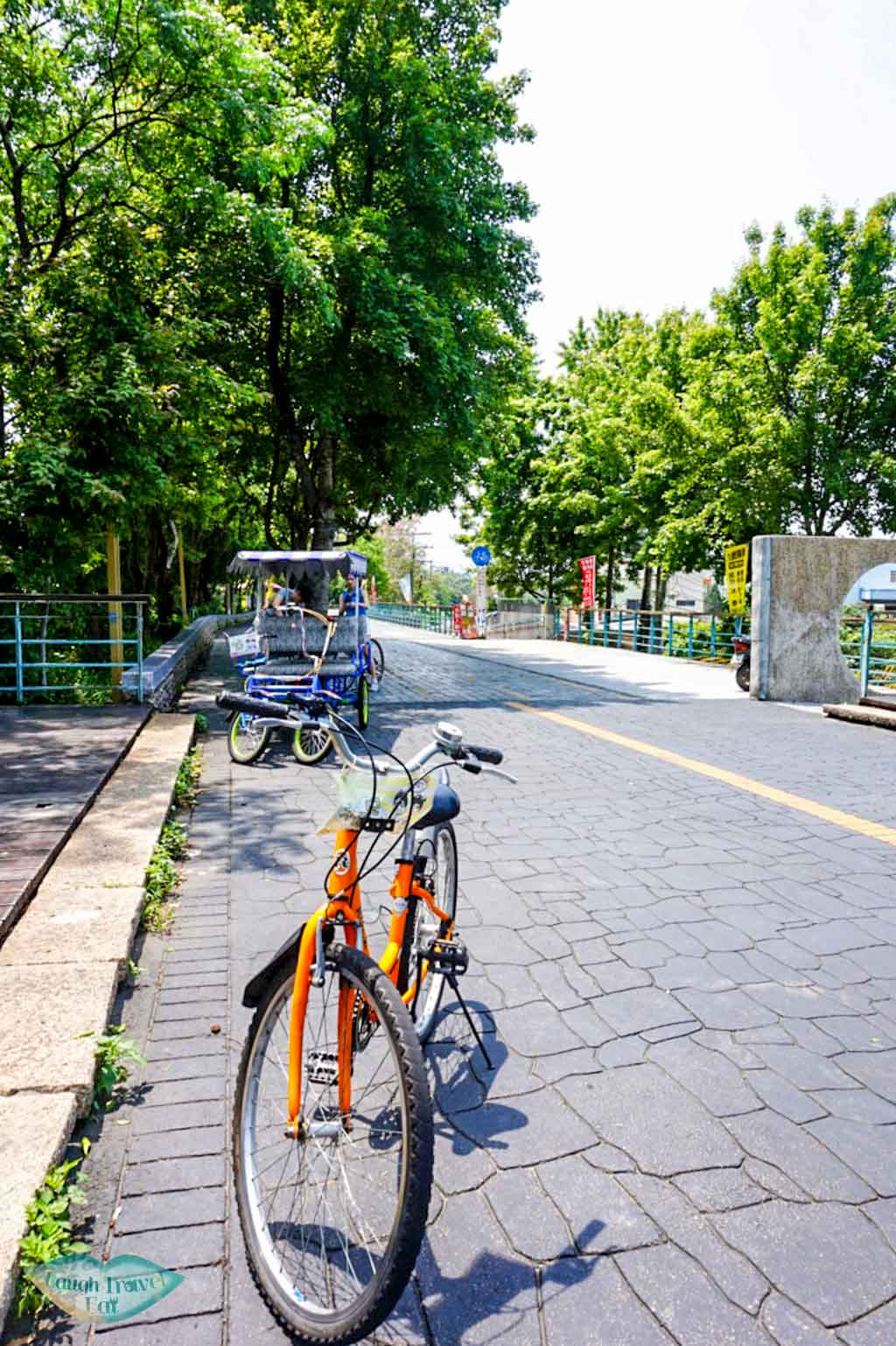 Bike posing in the middle of Ho Fon Bikeway in Taichung | Laugh Travel Eat