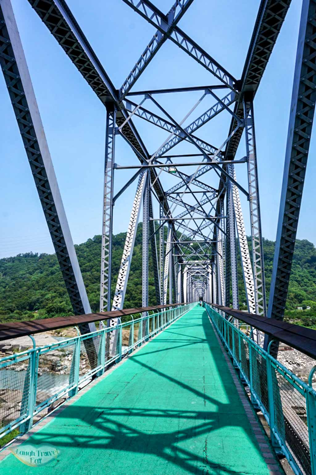 Suspension bridge on part of the Ho Fon Bikeway in Taichung | Laugh Travel Eat
