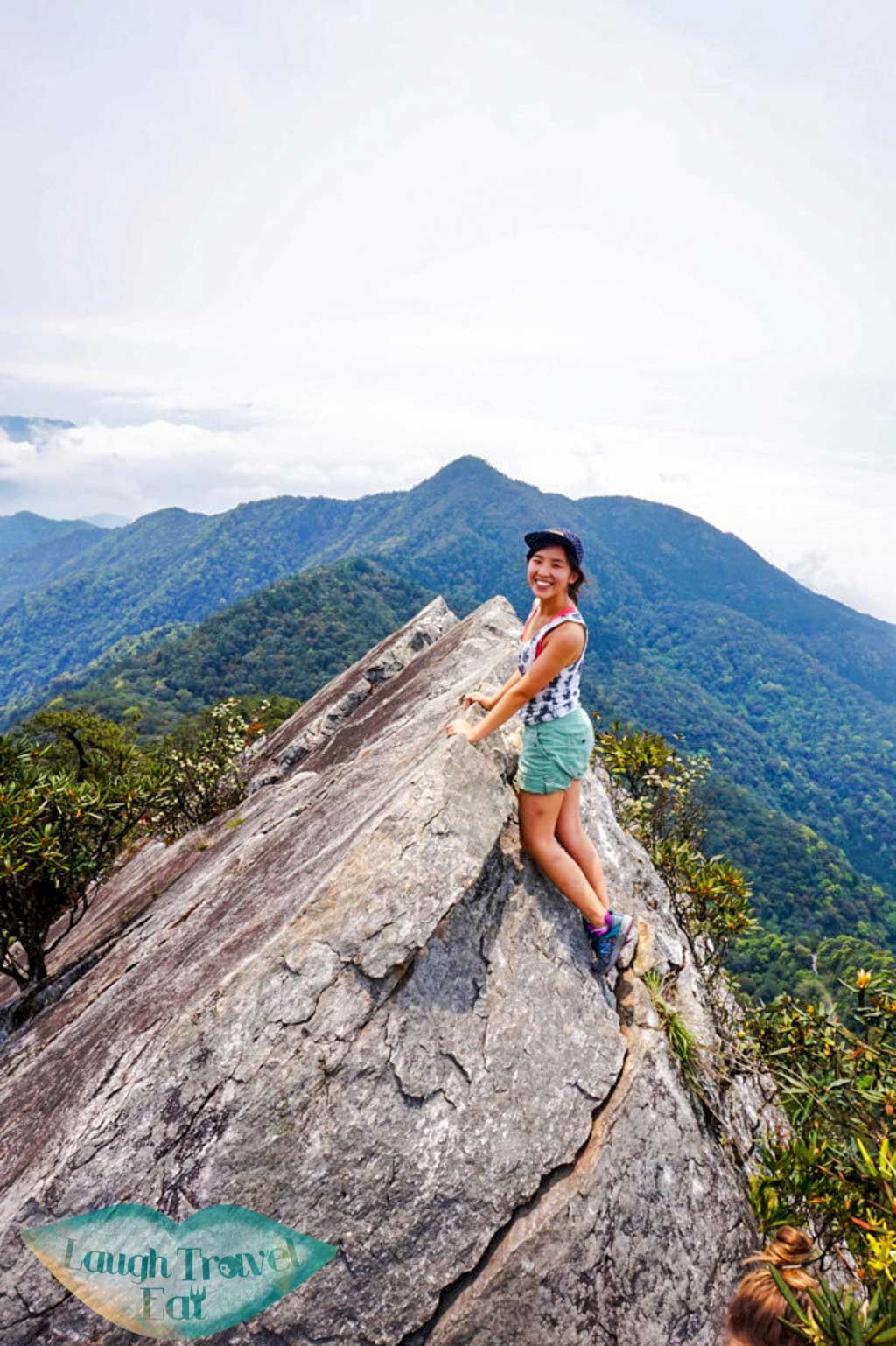 Triumphant photo at the top of Yuan Zui Mountain in Dasyueshan National Forest Recreational Area, Taichung - Laugh Travel Eat
