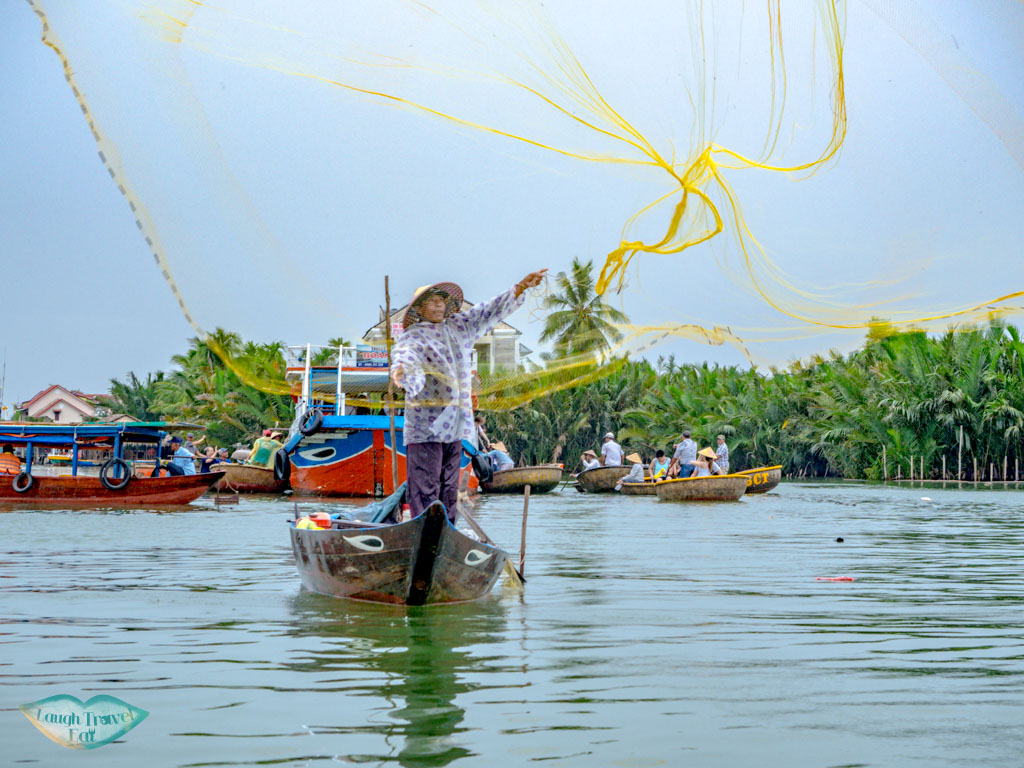 bamboo rafting hoi an vietnam - laugh travel eat-3