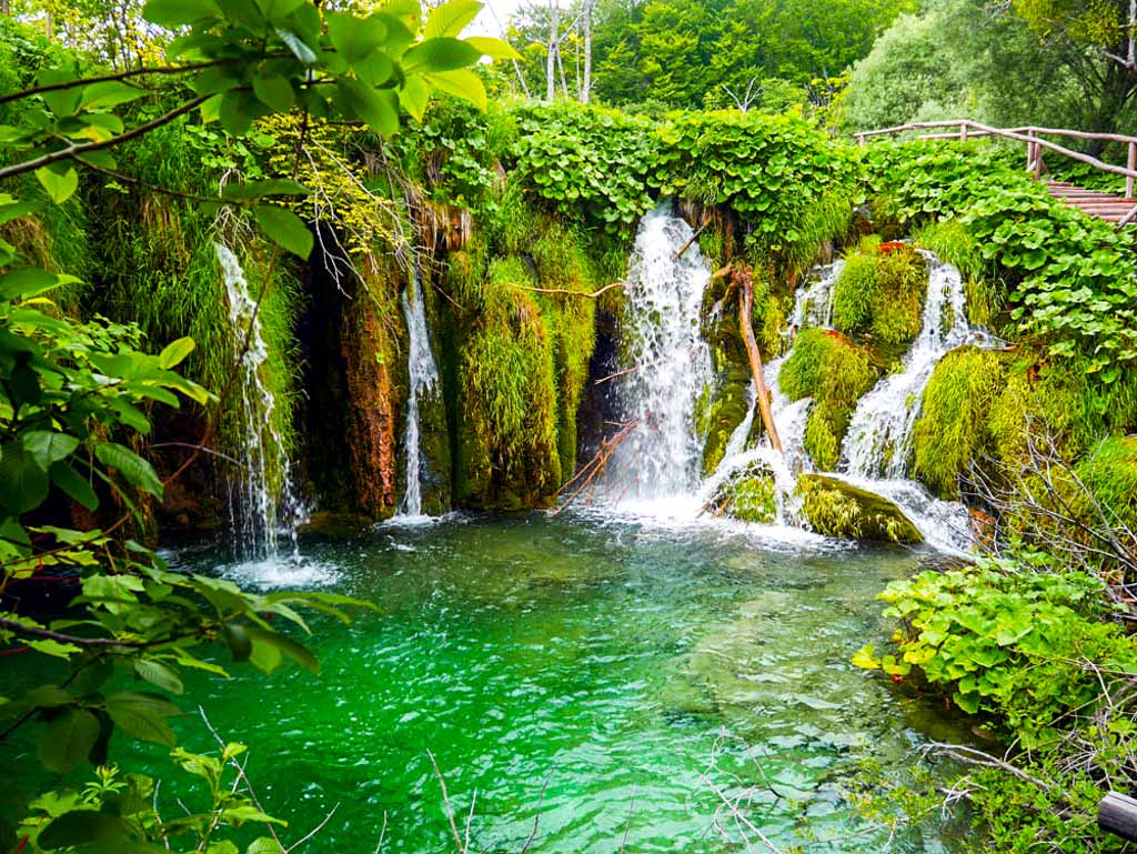 waterfalls in plitvice national park croatia 1
