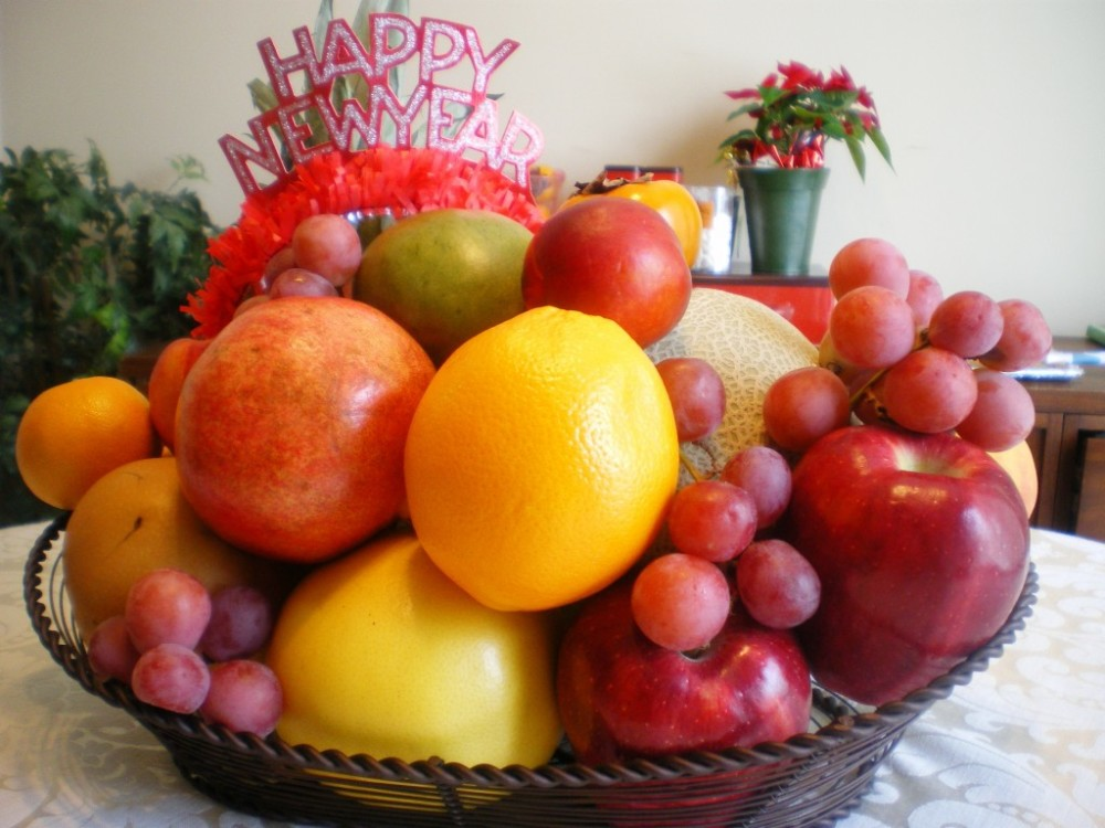 Rounded fruits for New Year, Philippines tradition | Laugh Travel Eat