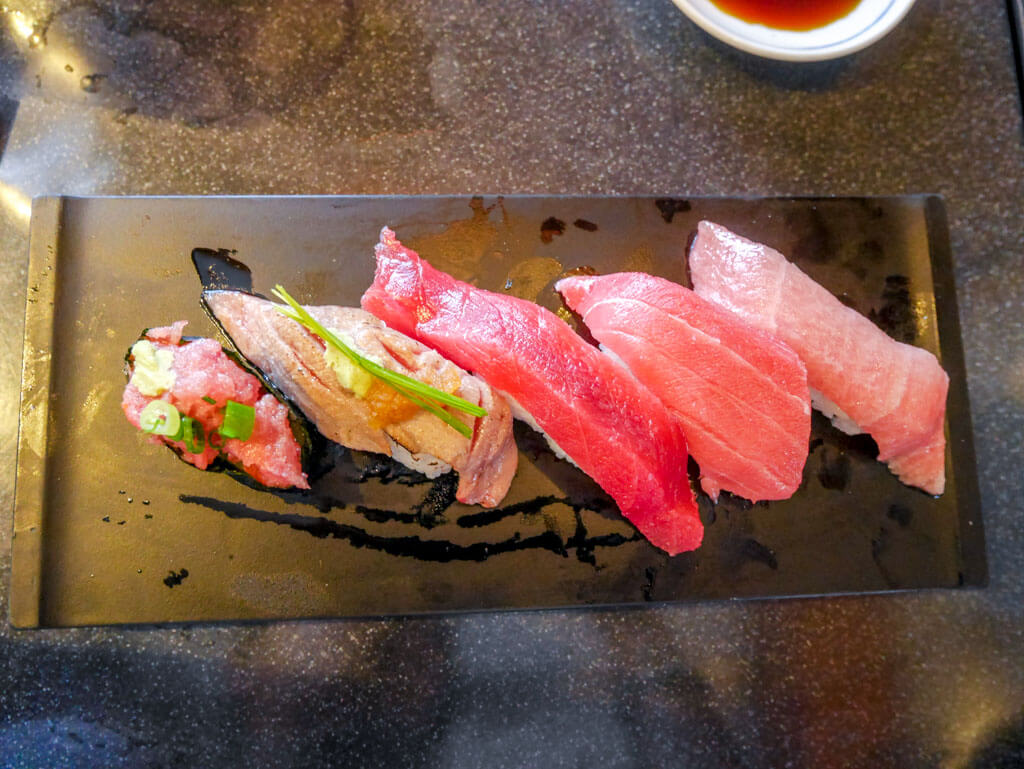 Sushizanmai set of 5 tuna sushi tokyo, Japan | Laugh Travel Eat