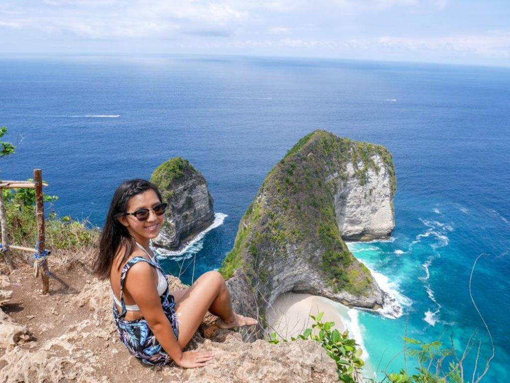 me at kelingking beach nusa penida bali inonesia - laugh traveleat