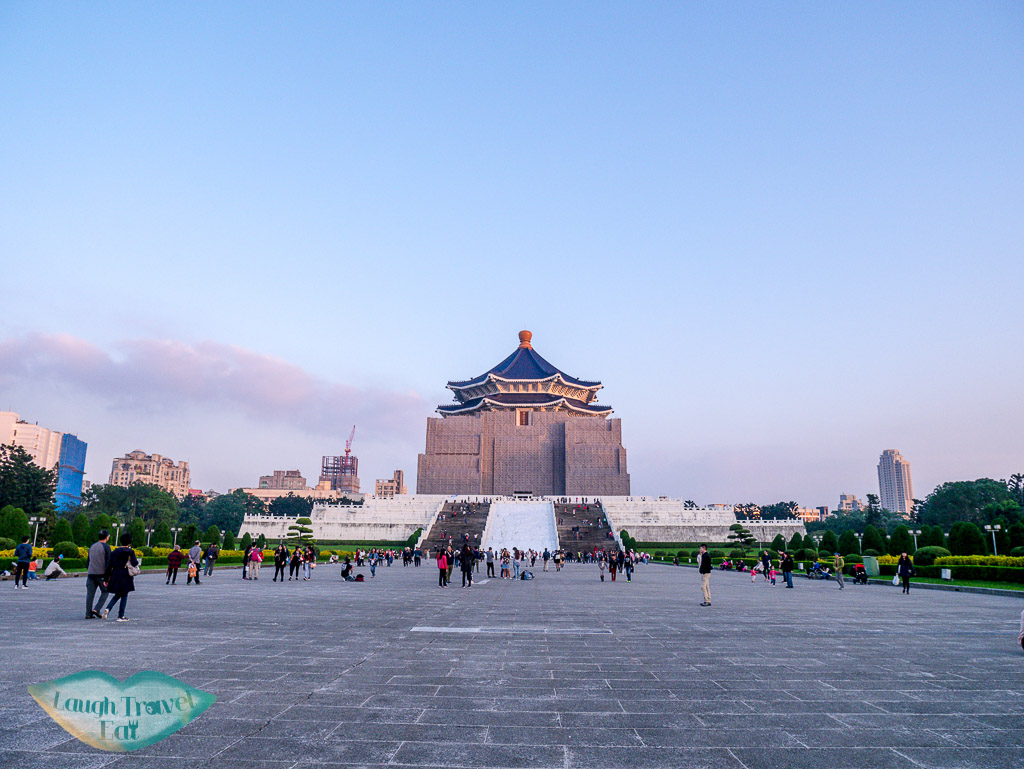 chiang kai shek memorial taipei taiwan - laugh travel eat