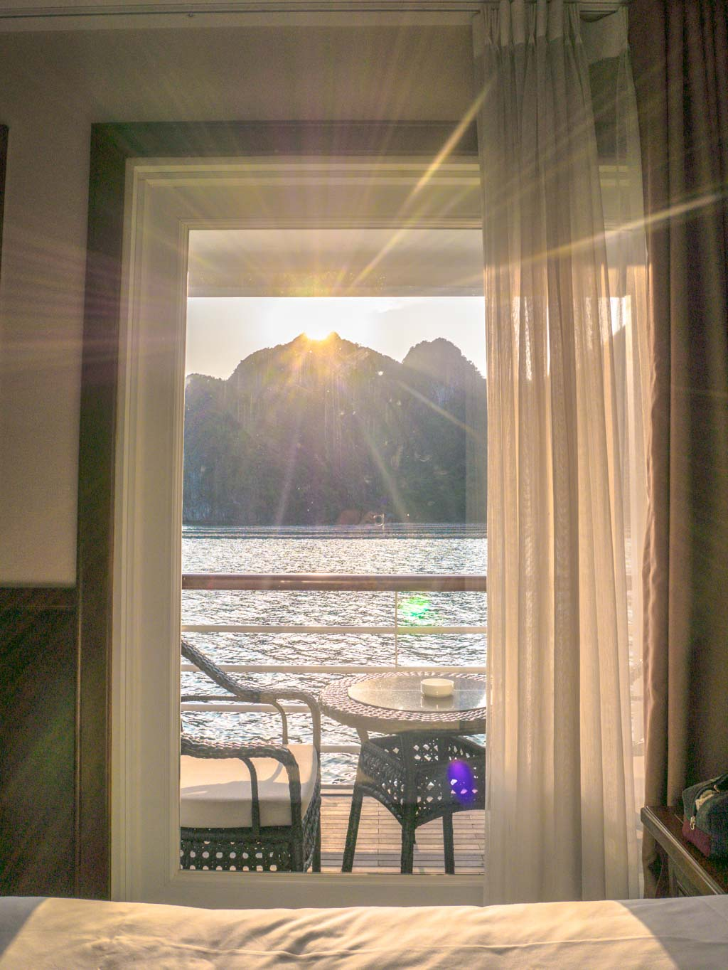 room-balcony-view-paradise-elegance-halong-bay-vietnam-laugh-travel-eat
