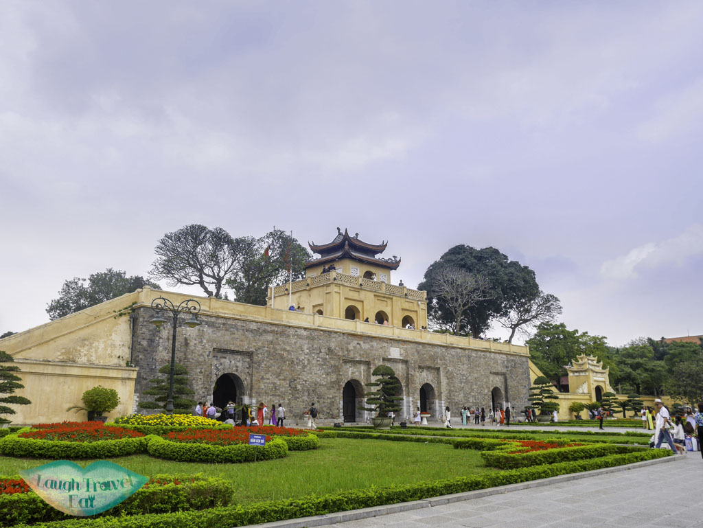 Doan-Mon-Gate-thang-long-citadel-hanoi-vietnam-laugh-travel-eat