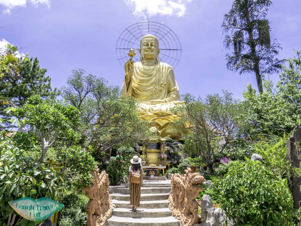 The-Statue-of-Gold-Buddha-at-Thien-Vien-van-Hanh-dalat-vietnam-laugh-travel-eat