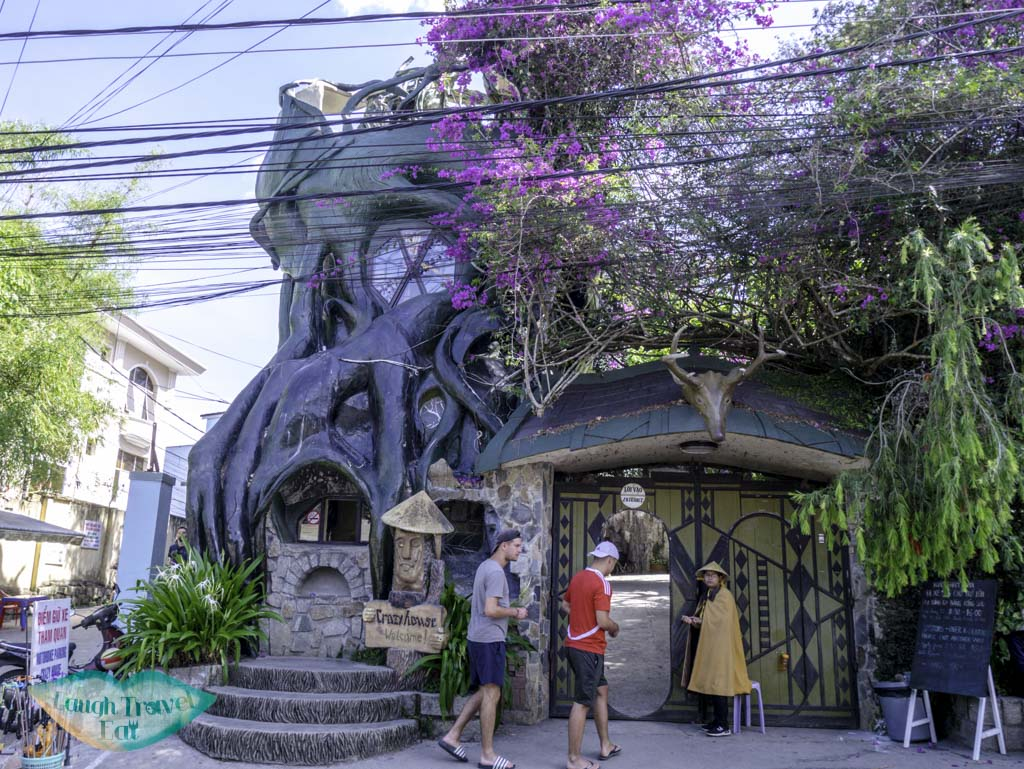 crazy-house-entrance-dalat-vietnam-laugh-travel-eat