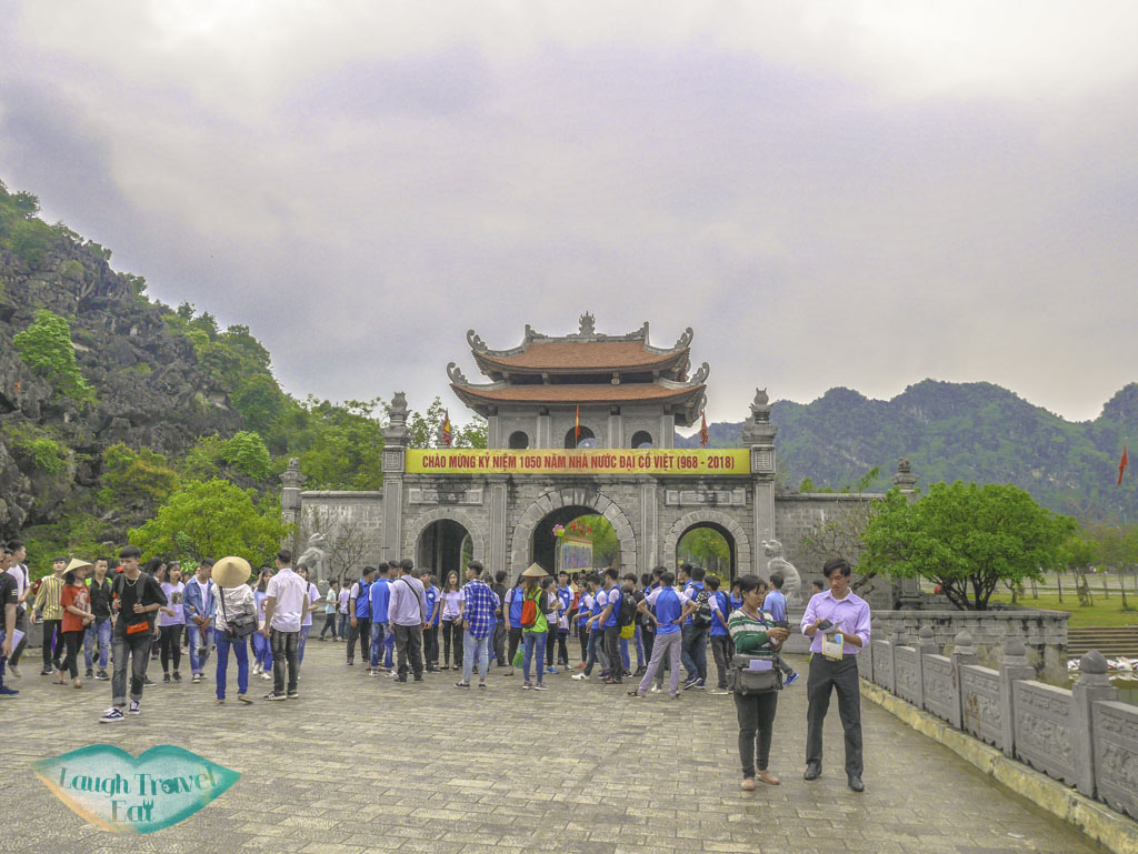 entrance-to-hoa-lu-ninh-binh-vietnam-Laugh-Travel-Eat