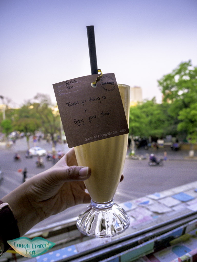 juice-smoothie-at-the-note-cafe-hanoi-vietnam-laugh-travel-eat