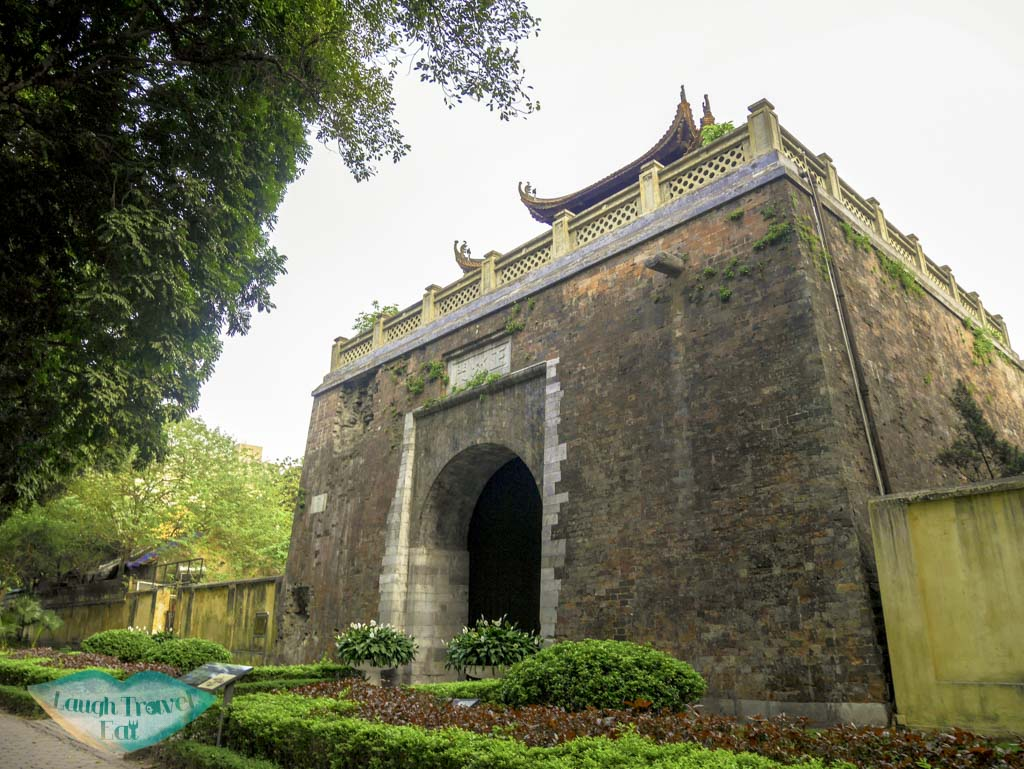 north-gate-thang-long-citadel-hanoi-vietnam-laugh-travel-eat