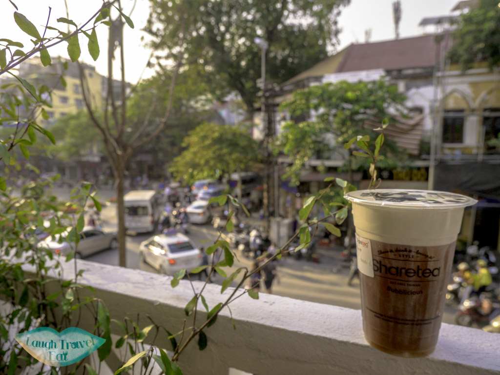 sharetea-balcony-hanoi-vietnam-laugh-travel-eat