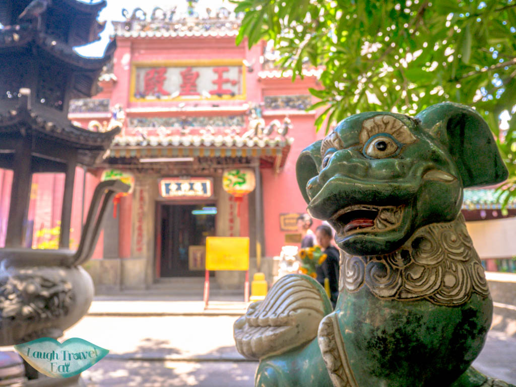 jade-emperor-temple-ho-chi-minh-city-vietnam-laugh-travel-eat