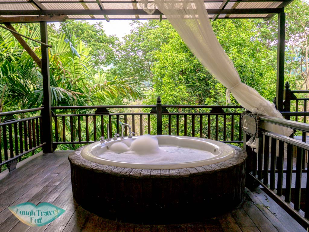 Jacuzzi-in-Jacuzzi-Villa-Panviman-Spa-Chiang-Mai-Thailand-laugh-travel-eat