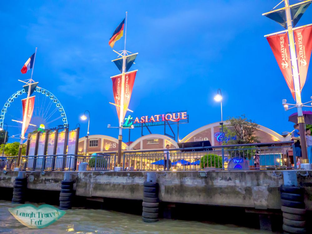 asiatique-bangkok-Thailand-laugh-travel-eat