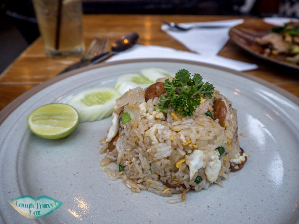 fried-rice-at-sit-and-wonder-bangkok-Thailand-laugh-travel-eat