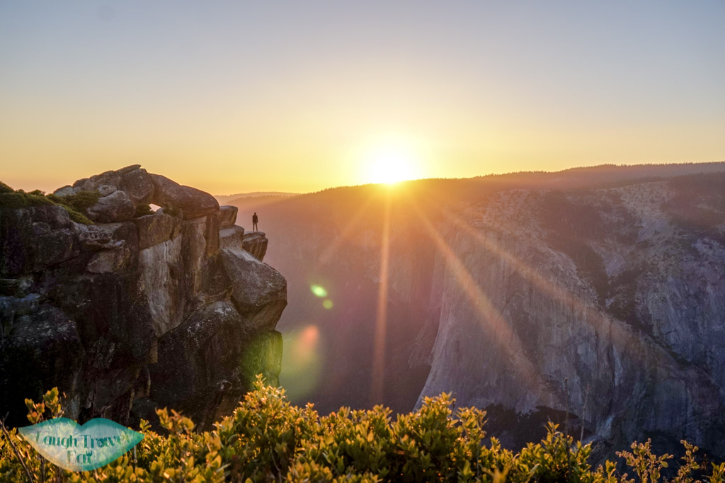 sunset-at-taft-point-yosemite-park-california-US-laugh-travel-eat