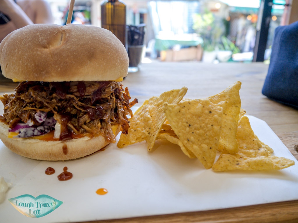 pulled-pork-burger-with-nachos-blacksmith-coffee-shop-sai-kung-hong-kong-laugh-travel-eat