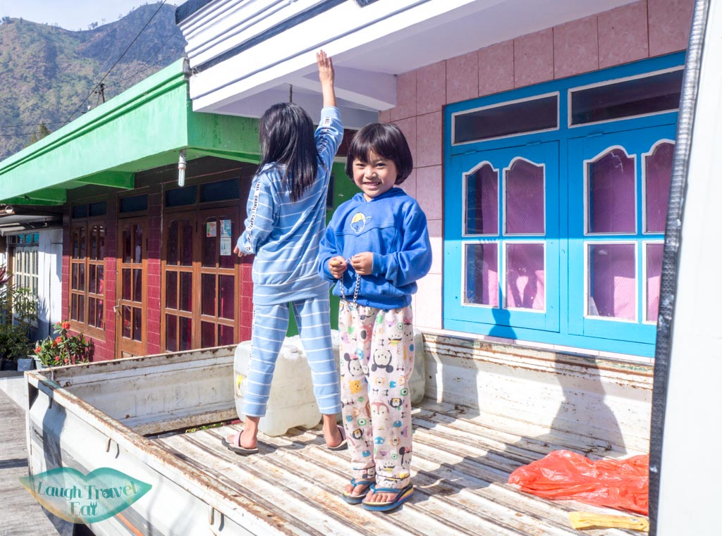 girl-at-the-little-village-bromo-java-indonesia-laugh-travel-eat