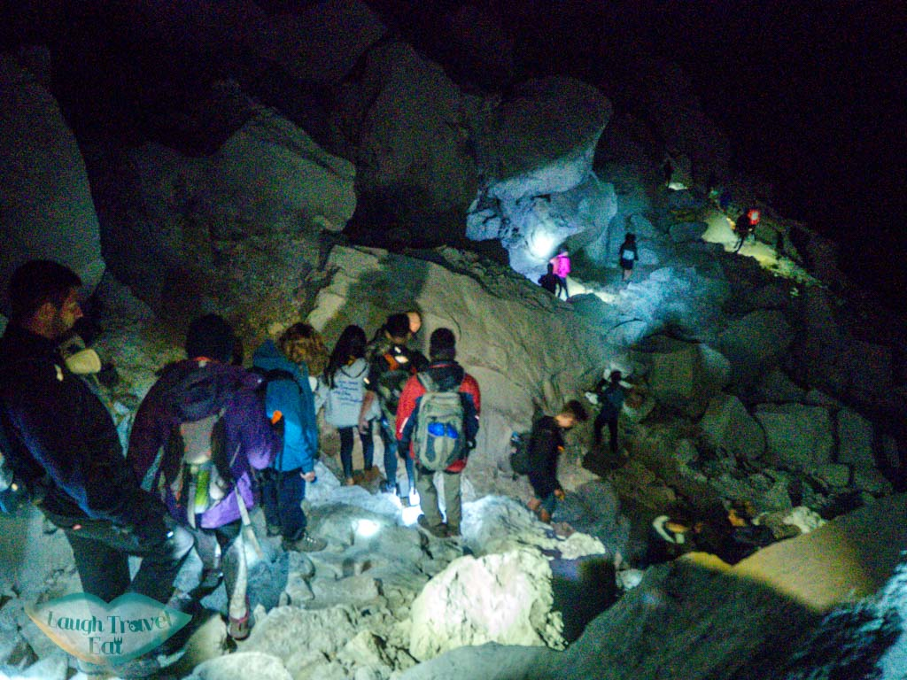 going-down-crater-kawah-ijen-java-indonesia-laugh-travel-eat