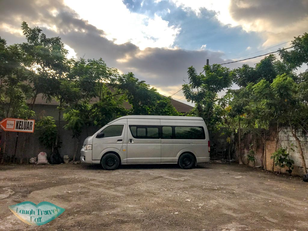 indotravel-minivan-seminyak-bali-indonesia-laugh-travel-eat