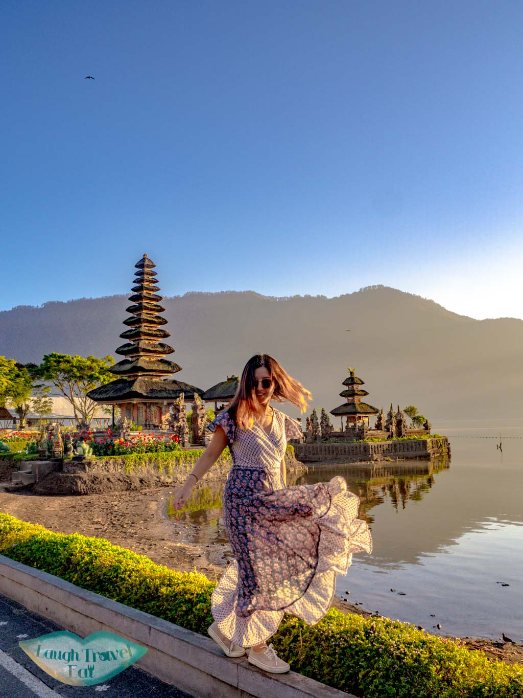 me-sunrise-at-ulun-danu-beratan-temple-bedugul-bali-indonesia-laugh-travel-eat