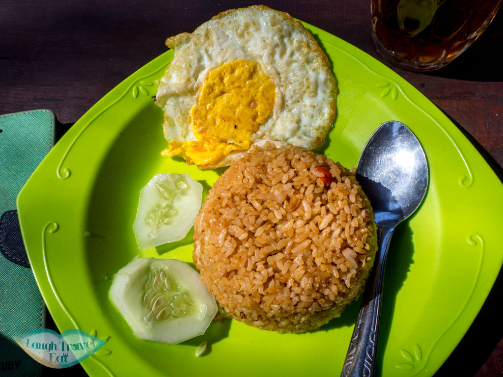 nasi-goreng-breakfast-stop-at-kawah-ijen-java-indonesia-laugh-travel-eat