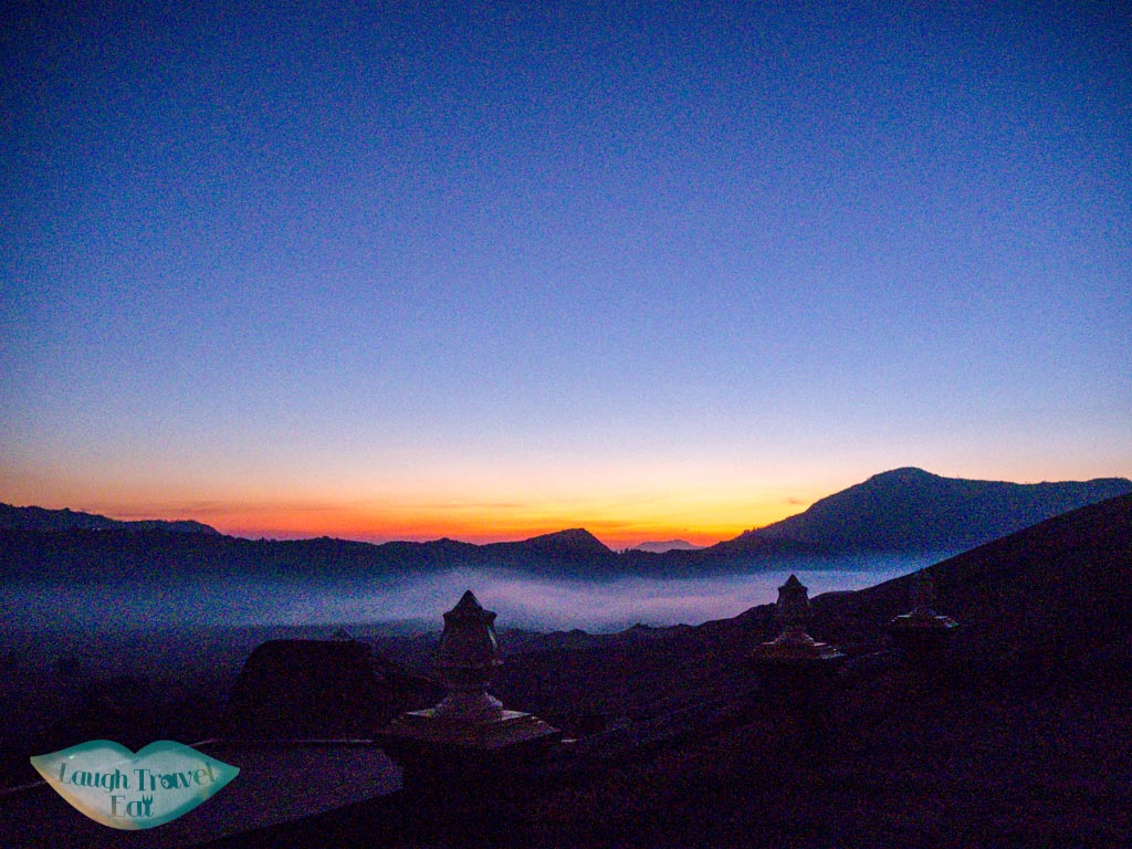 pre-dawn-colours-hiking-up-bromo-java-indonesia-laugh-travel-eat