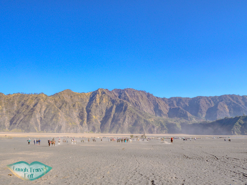 walking-back-to-car-park-mount-bromo-java-indonesia-laugh-travel-eat