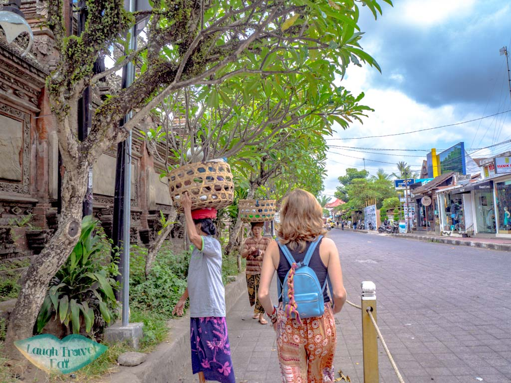 Jalan-Raya-Ubud-bali-indonesia-laugh-travel-eat
