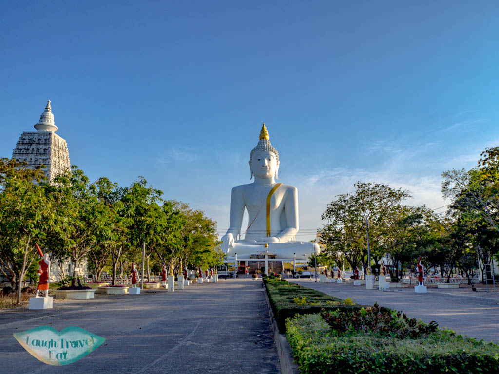 big-buddha-by-suphan-buri-thailand-laugh-travel-eat