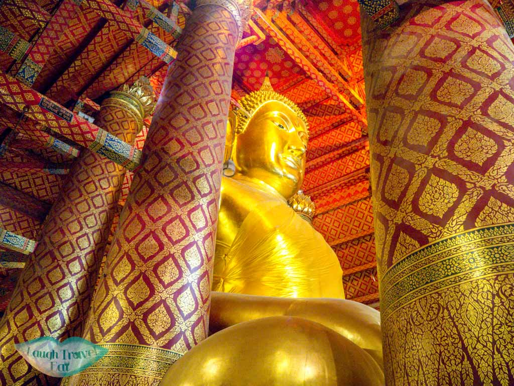 buddha-at-Wat-Phanan-Choeng-Ayutthaya-thailand-laugh-travel-eat