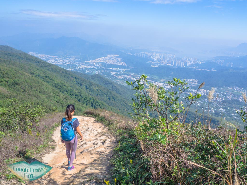 going-down-from-tai-to-yan-tai-po-hong-kong-laugh-travel-eat