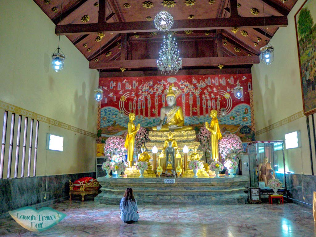 inside-the-ubosatha-hall-Wat-Yai-Chai-Mongkhon-Ayutthaya-thailand-laugh-travel-eat