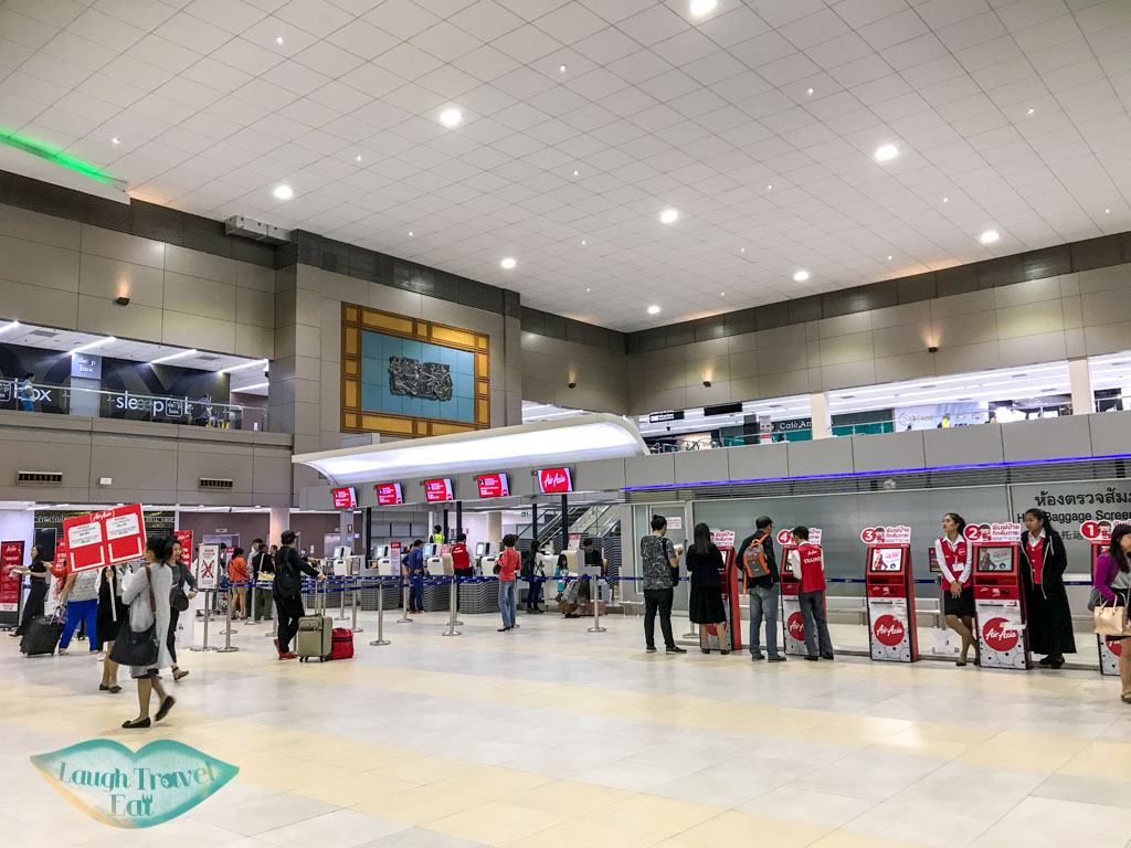 air-asia-check-in-domestic-Don-Mueang-Airport-bangkok-thailand-laugh-travel-eat