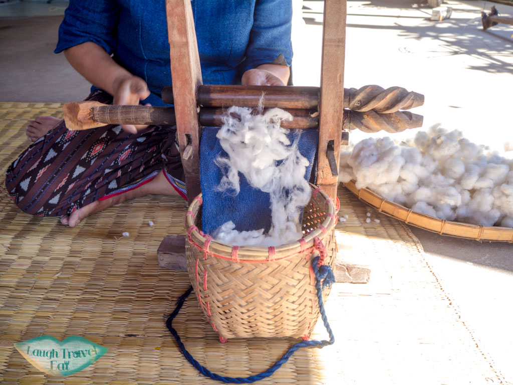 cotton-thread-making-step-1-indigo-dye-Ban-Nong-San-sakon-nakhon-thailand-laugh-travel-eat