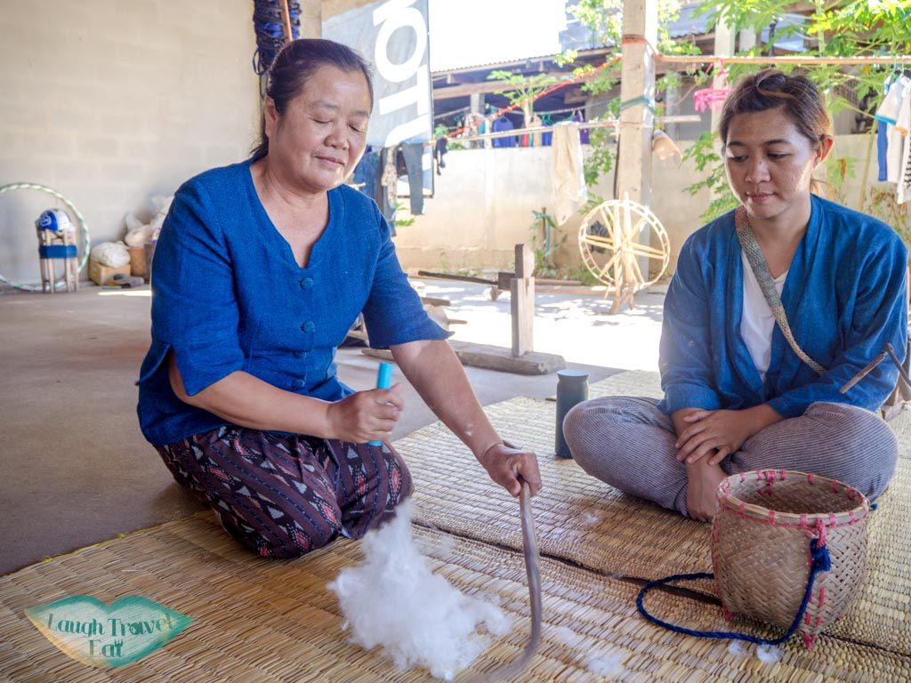 cotton-thread-making-step-2-indigo-dye-Ban-Nong-San-sakon-nakhon-thailand-laugh-travel-eat