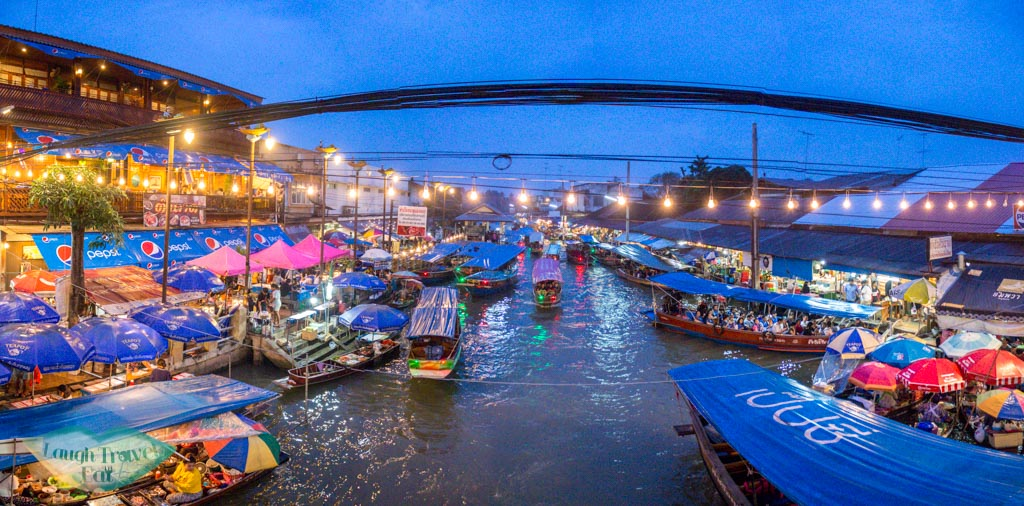night-at-amphawa-floating-market-bangkok-thailand-laugh-travel-eat