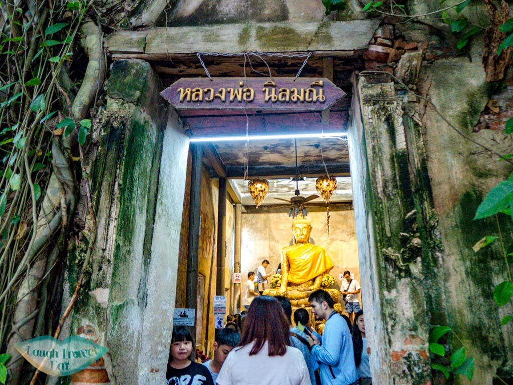tree-temple-enroute-from-maeklong-railway-market-to-amphawa-floating-market-bangkok-thailand-laugh-travel-eat
