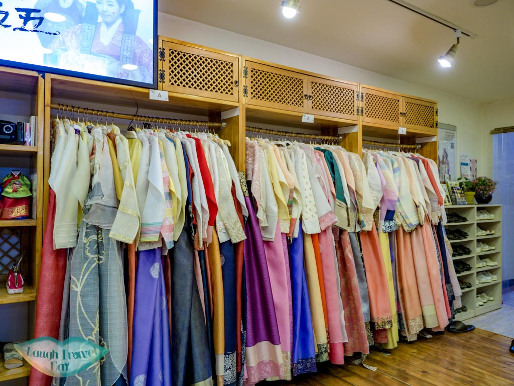 A-choices-3355-hanbok-rental-place-seoul-south-korea-laugh-travel-eat