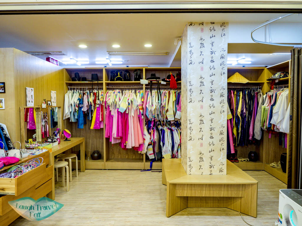 C-and-B-choices-3355-hanbok-rental-place-seoul-south-korea-laugh-travel-eat
